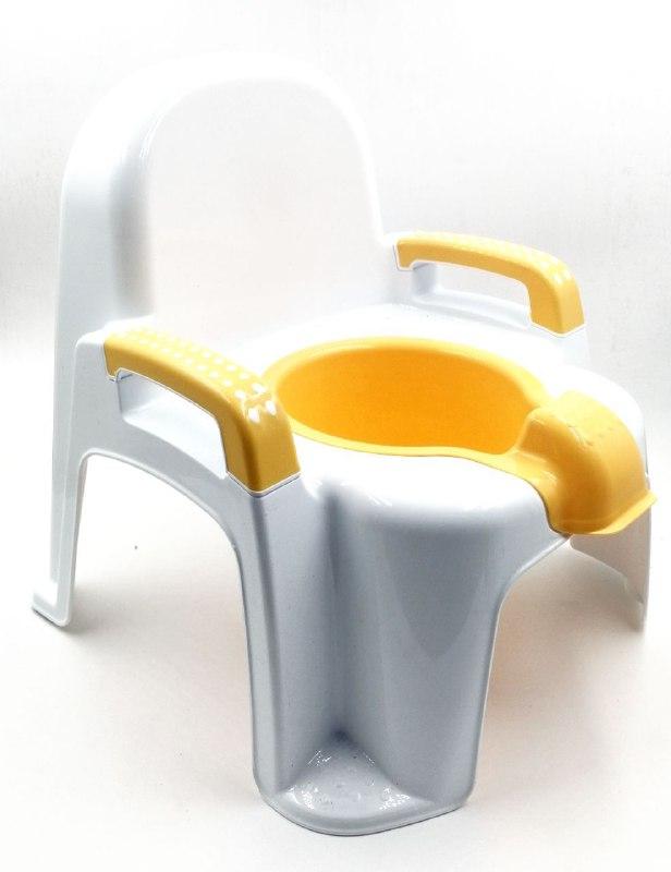 كرسي على قاعدة الحمام للأطفال